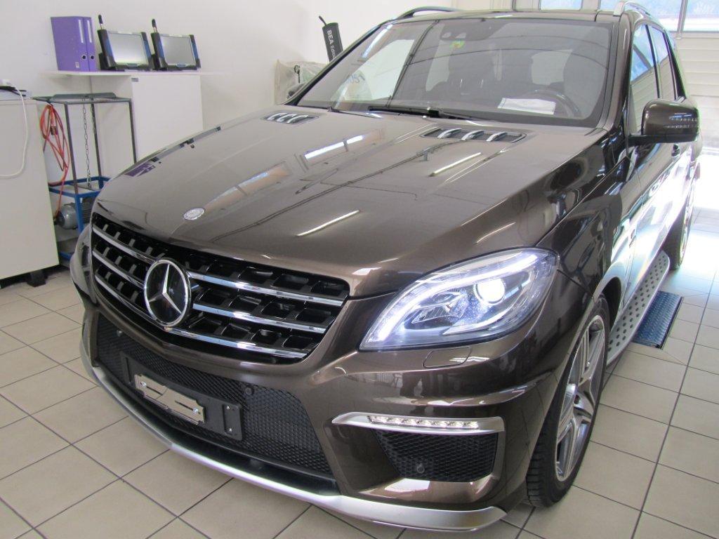 Mercedes ML 63 AMG mit elektronischer Tieferlegung