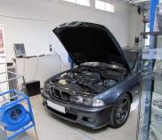 BMW M5 bei Leistungsmessung